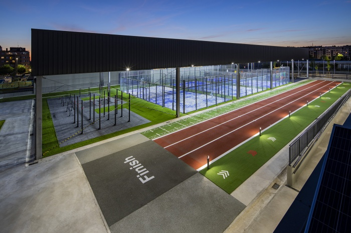 https://luxiona2020.mortensen.cat/projects/projects/sports/supera/02-Supera Gym-Lighting Project-Luxiona-Troll.jpg